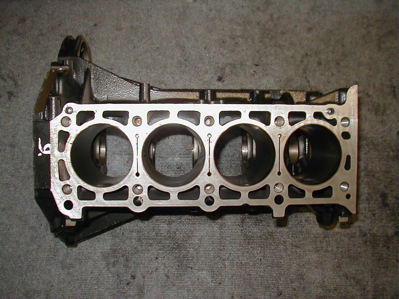 EGU] - Mercedes - Motorblock - 1110111201 - E220 - M111.960 ...